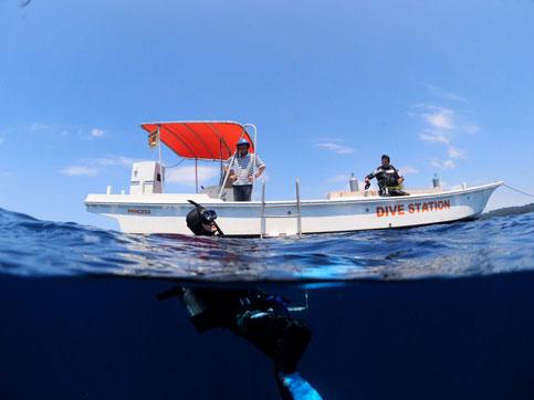 ダイビング専用高速艇写真